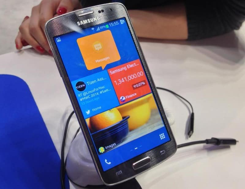 samsung-to-release-first-tizen-powered-smartphone-in-early-2013-2